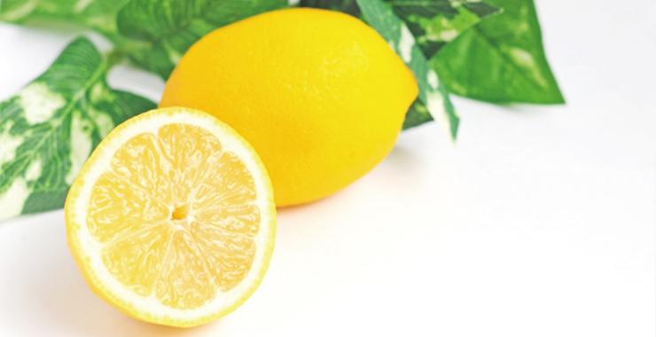 ビタミンCがそばかすに効果的な理由